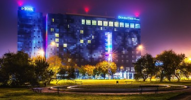 night-dark-lights-hotel-large-1