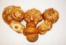 Velikonoční pečivo z vlastních pekáren obchodů Tesco se zdokonalenou recepturou Vám zpříjemní svátky