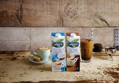 Alpro: rostlinné nápoje jako alternativa mléka do kávy