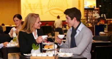 Tee Lounge Meßmer Momentum mit Mitarbeitern