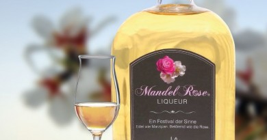 MandelRose Liqueur (c) ots Schlitzer Destillerieweb