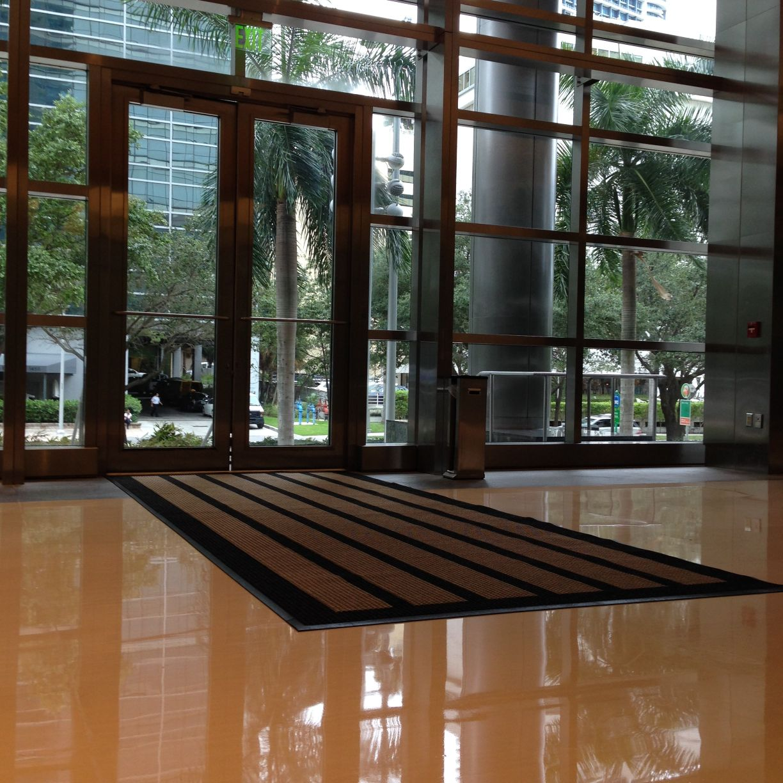 coordinating-floor-mats-with-interior-decor-e1411585482339
