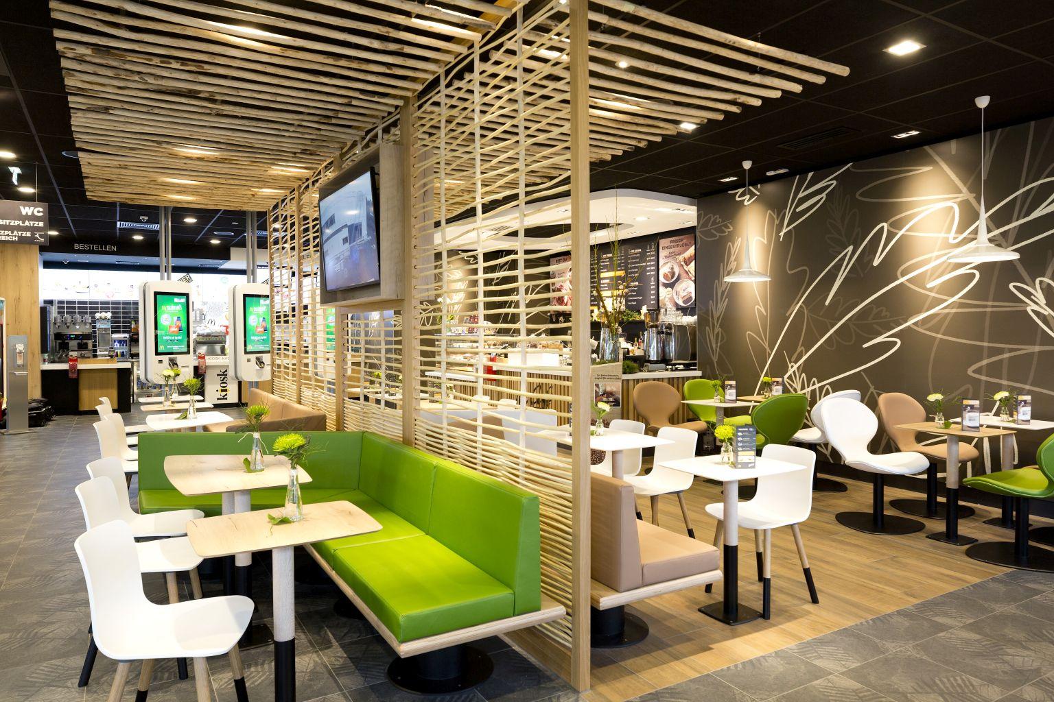 Lustenau, 19.11.2016 McDonalds, neu, Architektur, Gebaeude, Eroeffnung