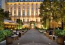 Zahrada jako dominanta hotelu ve městě