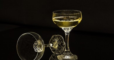 champagne-glasses-1940275_1920