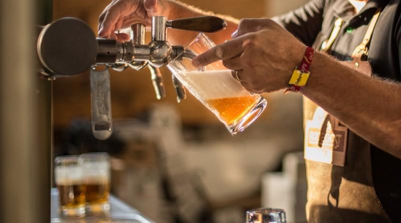 Foto_Radegast_čepování piva