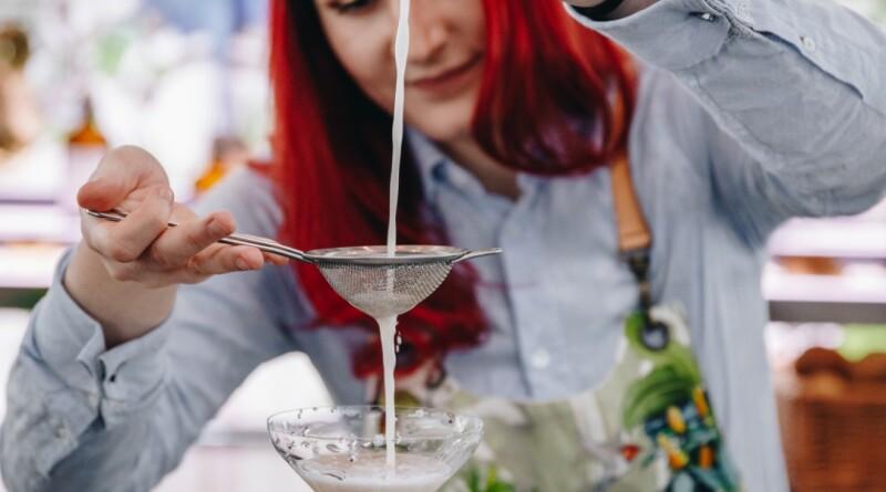 Simia Sour – vítězný koktejl barmanské soutěže společnosti Hilton